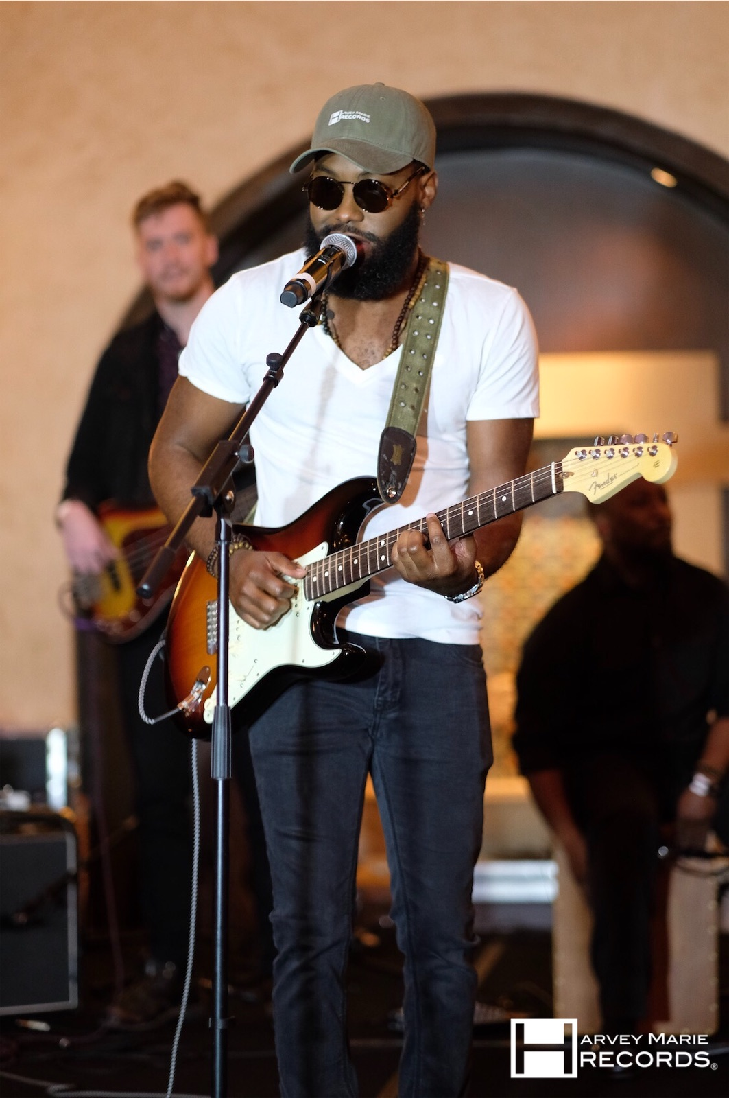 Dunn Performing at 6th Annual Soirée in Hollywood | Photo: Donald Black Jr